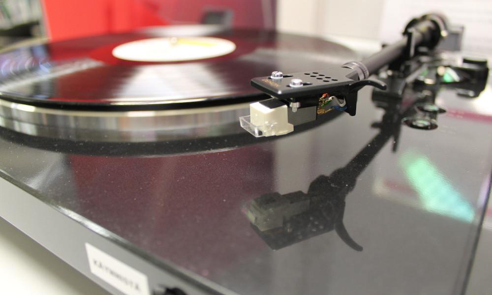 LP-levysoitin