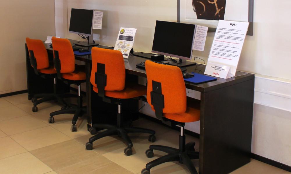 Asiakastietokoneita pääkirjastolla