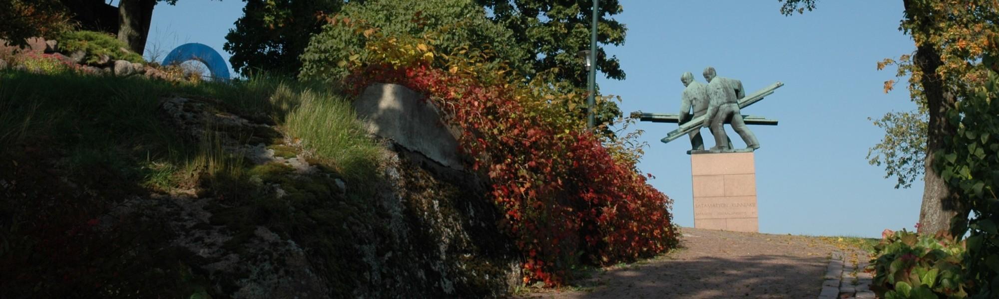 Kuvassa on Palotorninvuoren puisto