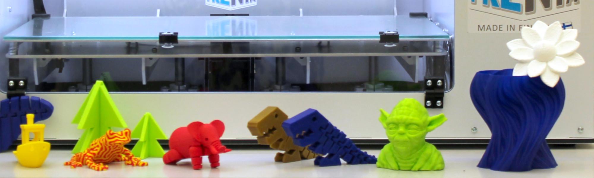 Tulostettuja 3D-malleja ja 3D-tulostin