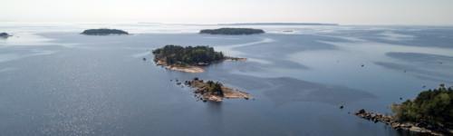 Pieniä saaria Kotkan edustalla