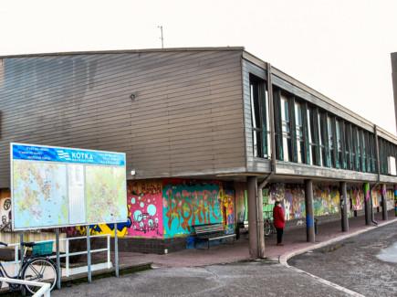 karhulan vanha linja-autoasema.