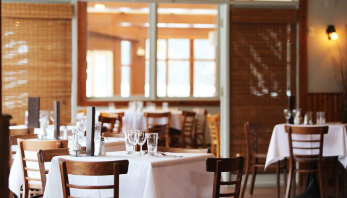 Tyhjä ravintolasali