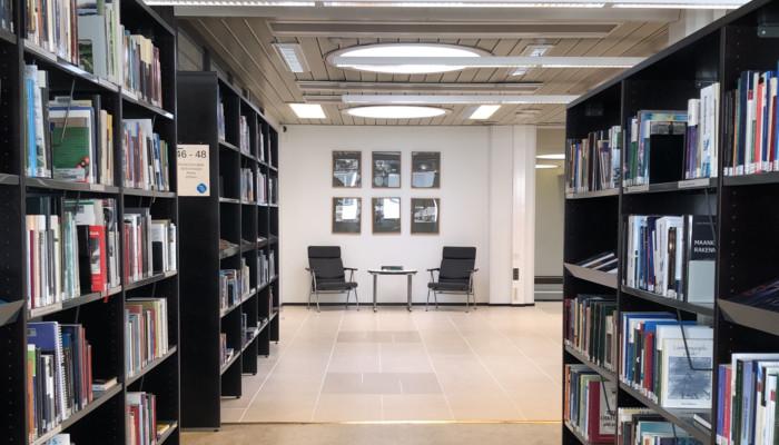 Kirjaston kolmas kerras