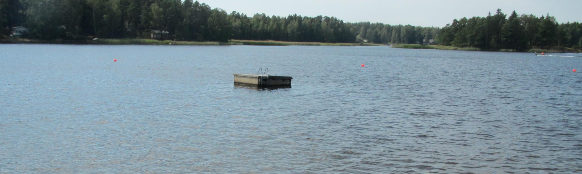 Kuvassa on Ruonalan uimaranta