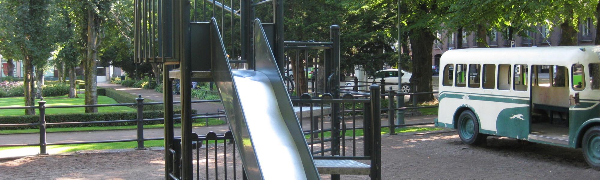 Kuvassa on Sibeliuksenpuiston leikkipaikka
