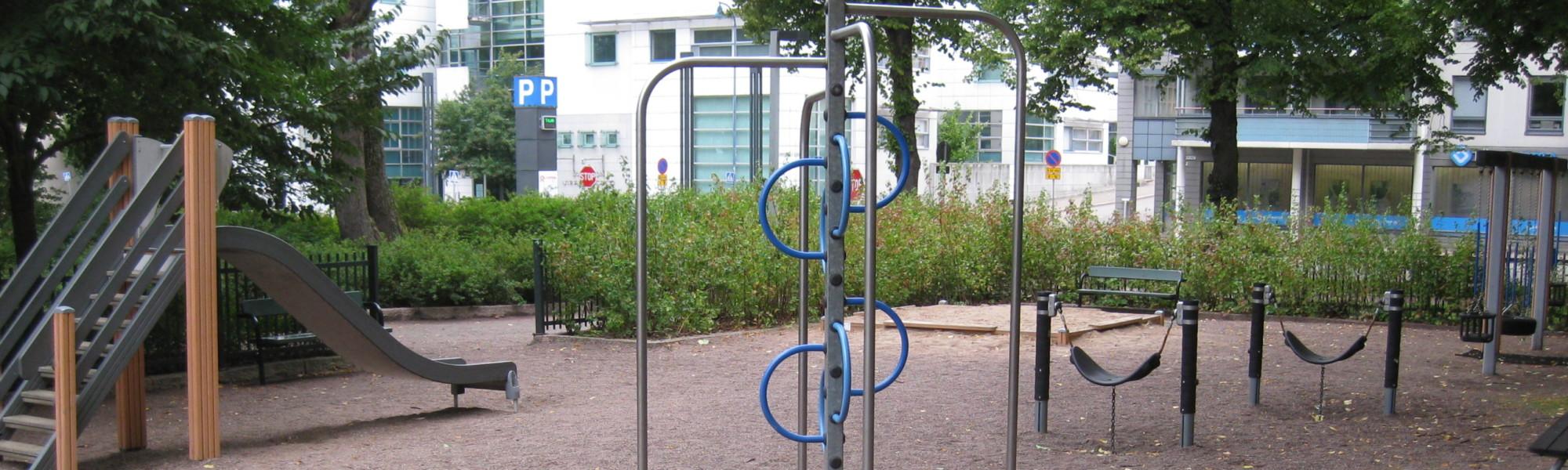 Kuvassa on Valakallionpuiston leikkipaikka