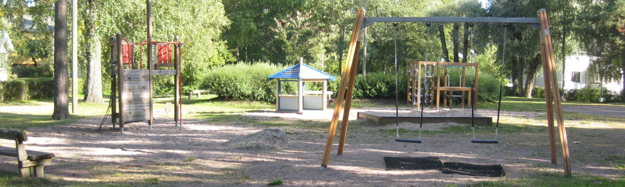 Kuvassa on Peurantien leikkipaikka