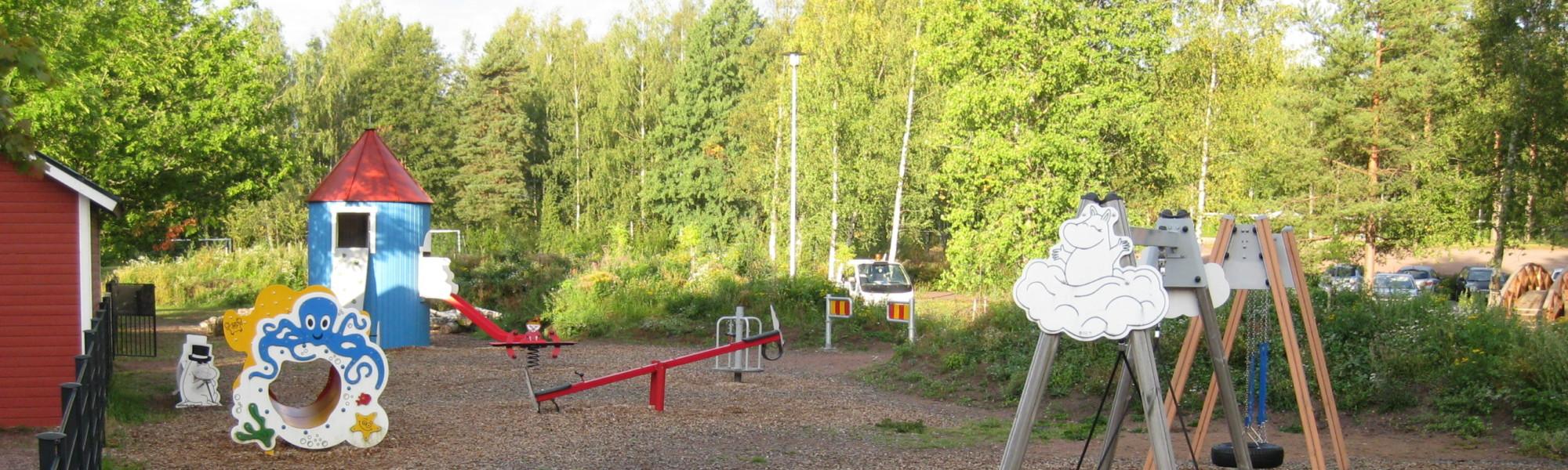 Kuvassa on Ututien leikkipaikka