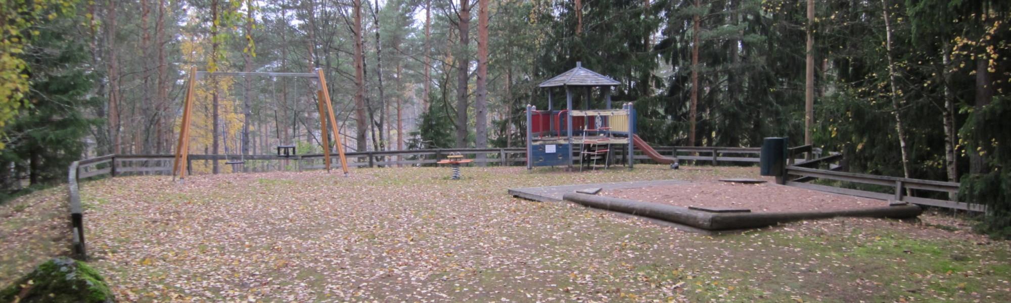 Kuvassa on Haltijantien leikkipaikka