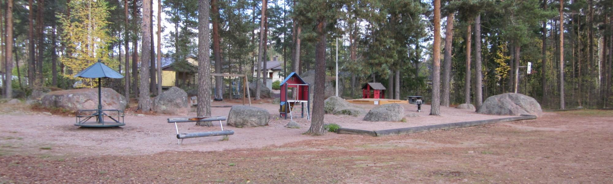 Kuvassa on Maitikkatien leikkipaikka