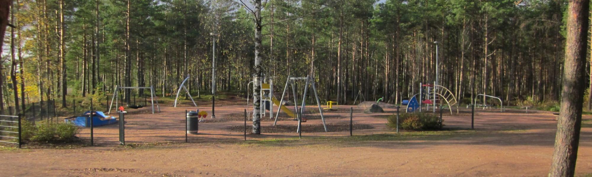 Kuvassa on Otsonkallion leikkipaikka
