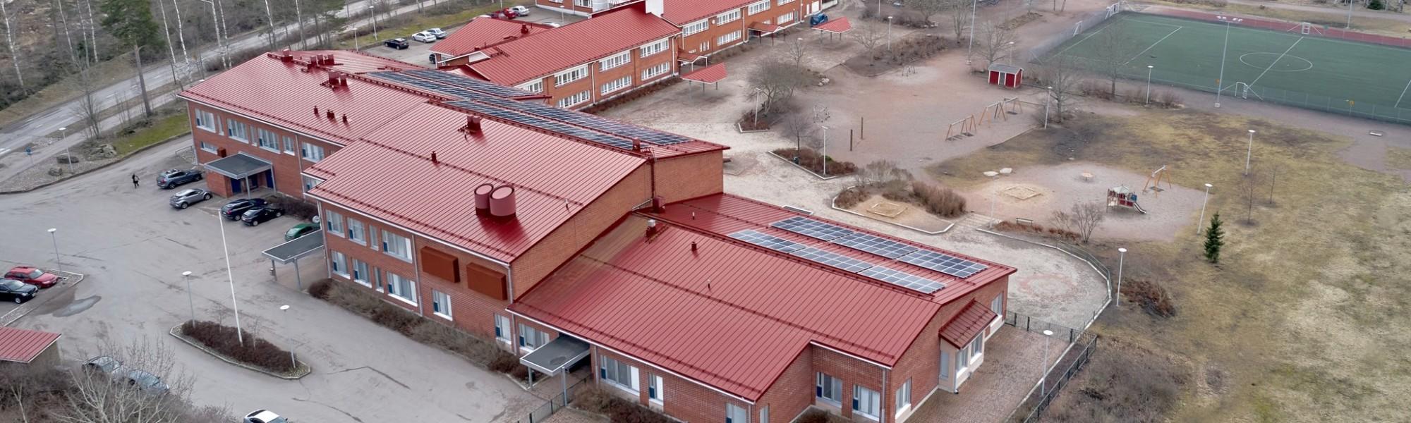 Mussalon koulu ilmasta käsin kuvattuna