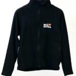 Musta fleece-takki, jossa Miä Sydän Kotka painatus vasemmalla
