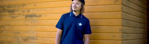 Kuvassa artisti Jukka Poika