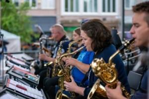 Kuvassa Kotka Big Band soittajia